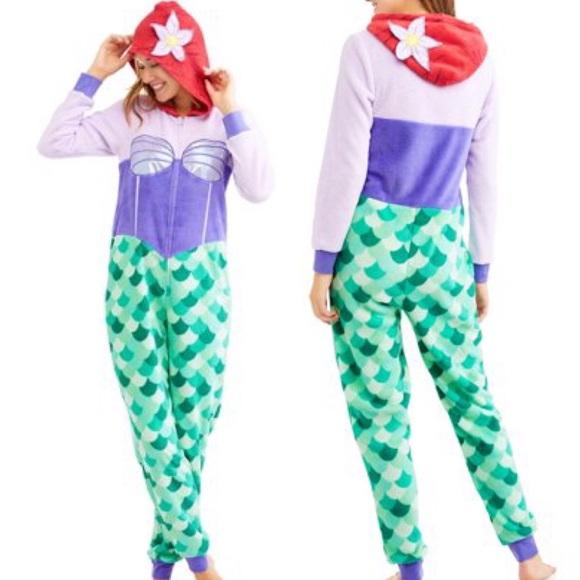 e3be696e2dcb NWT✨ Disney s The Little Mermaid Ariel Pajamas L